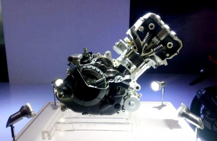 Mesin CB150R dan Sonic 150R, Serupa Tapi Beda Rasa