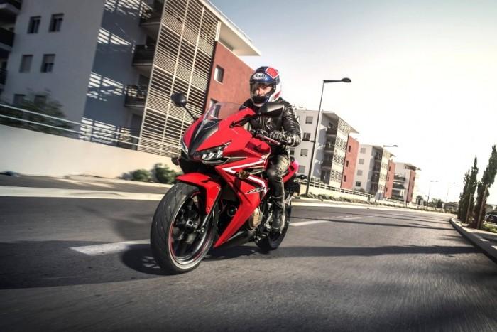 Makin Bengis, Honda CBR500R Laki Banget!