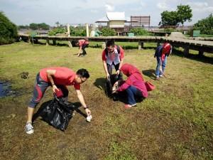 Aksi Bersih-Bersih di Pulau Kembang