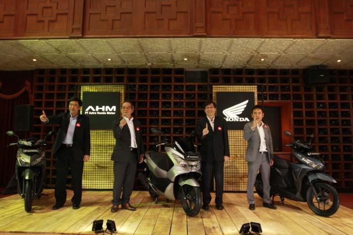 AHM Segarkan Skutik Premium Honda dengan Warna Baru
