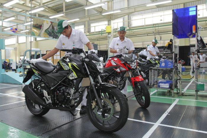 AHM Segarkan Tampilan New Honda CB150R StreetFire