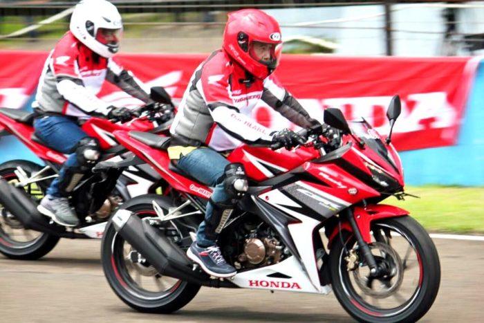10 Tips dan Cara Merawat Motor Sport Honda CBR 150 Indonesia