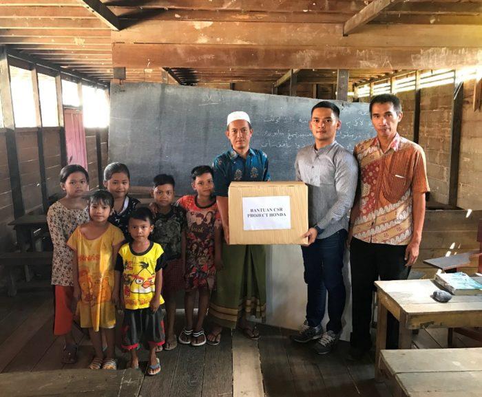Honda Berikan Bantuan untuk Madrasah Diniyah Awaliyah Batola