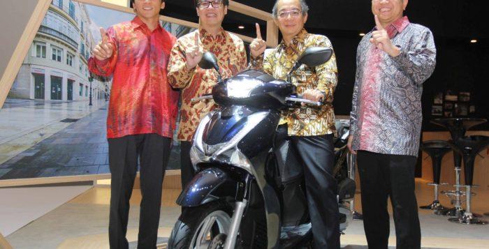 Skutik Premium Bergaya Eropa Honda SH150i Meluncur di Indonesia