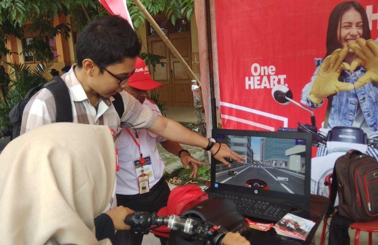 Honda Riding Trainer Ramaikan Acara Puncak Smasa Generation