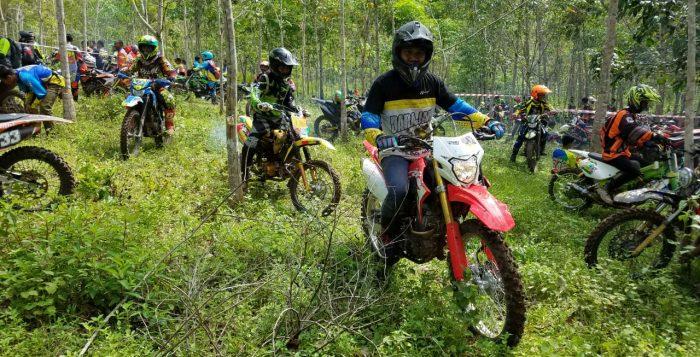 Trio Motor Ajak Konsumen dan Komunitas CRF 150L Fun Adventure dan Nonbar MXGP