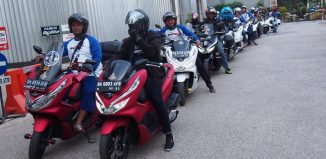 Komunitas Honda PCX Kompak Touring Keliling Kota