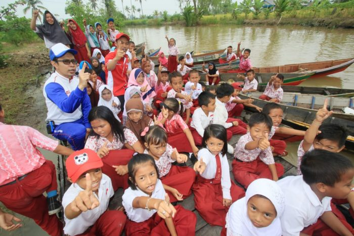 Edukasi Safety Riding, Trio Motor Kunjungi SDN 10 Basirih