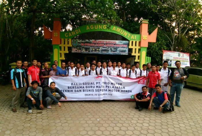 Peduli Situs Sejarah, Trio Motor Bersama SMK Binaan Bersih-Bersih Candi Agung