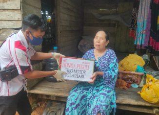 Trio Motor Bagikan Sembako dan Service Motor Gratis Bagi Korban Banjir Pelaihari